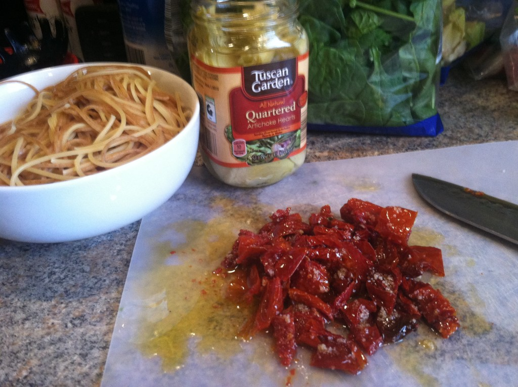 Dried tomato and artichoke pasta ingredients
