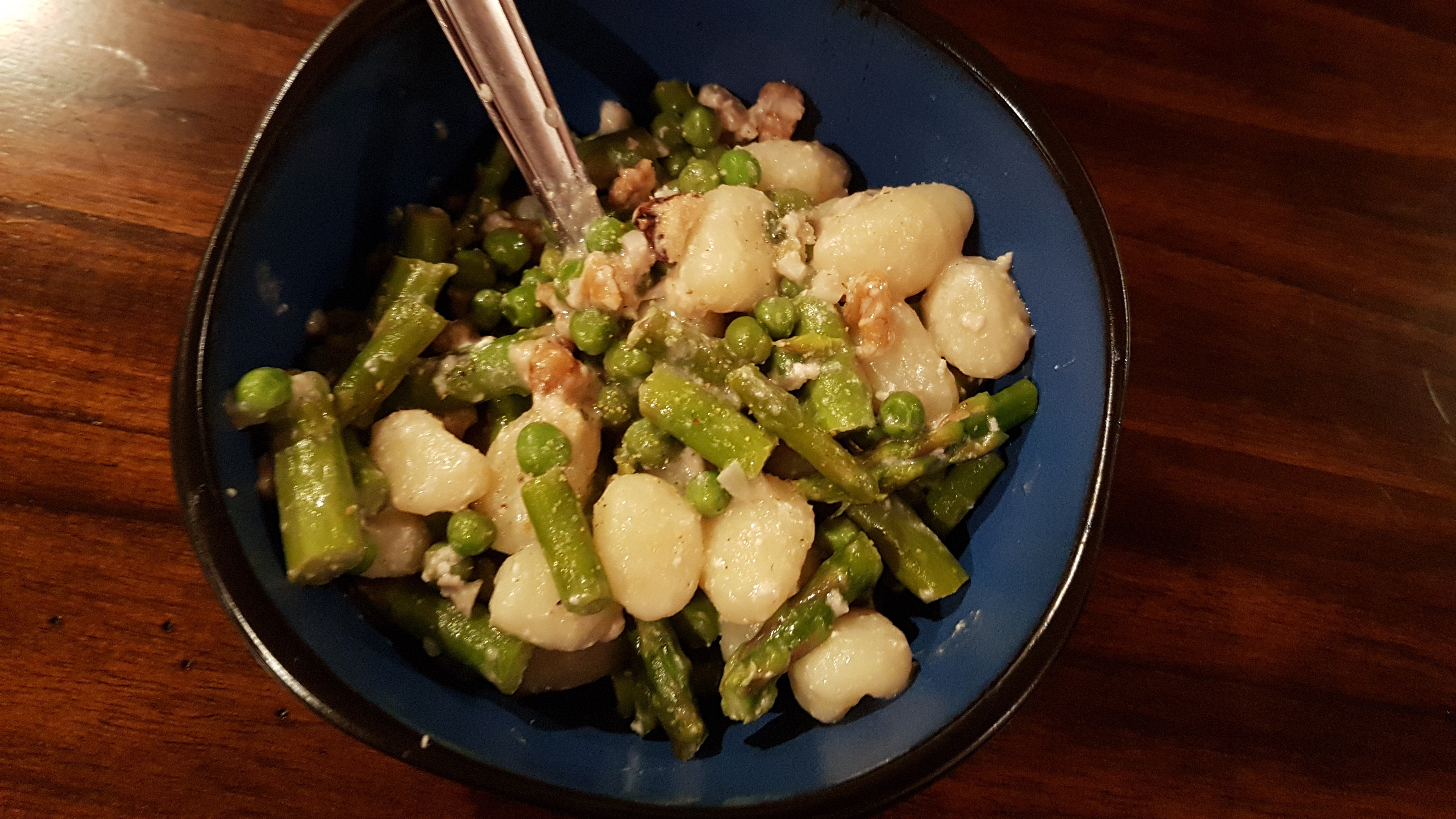 Spring Green Creamy Asparagus & Peas Gnocchi