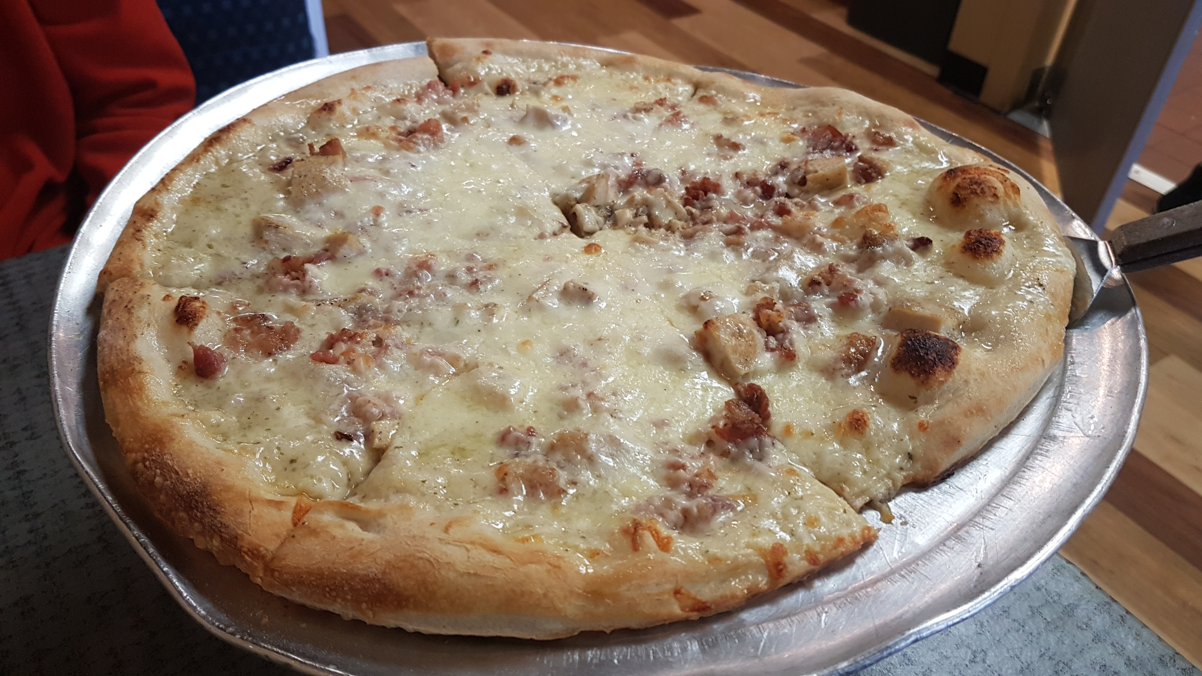 Magone Italian Grill Chicken Bacon Ranch Pizza