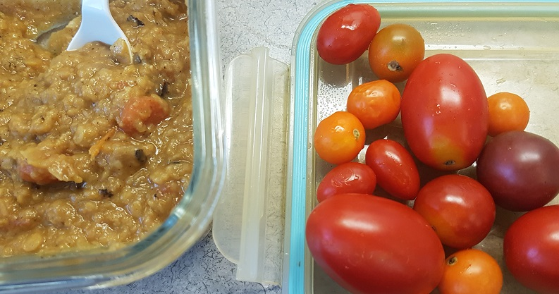 budgetepicurean red lentil stew and tomatoes