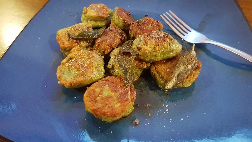 crispy spinach gnocchi